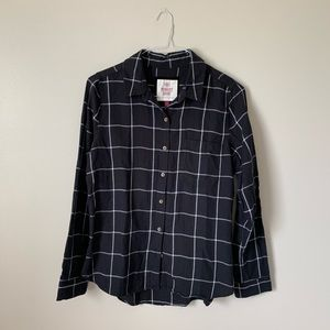 SO Black With Pockets Button Down Flannel